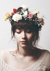 flowere crown girl